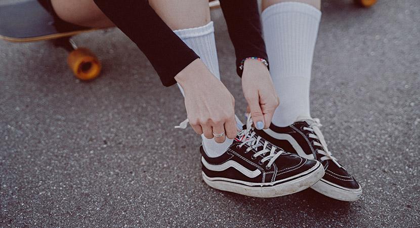 Tipos de zapatillas que necesitas en tu clóset