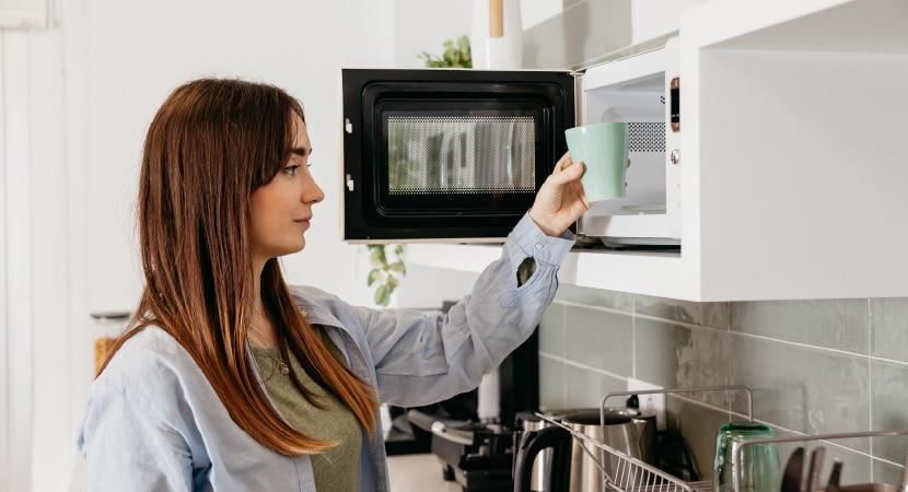 Cómo cuidar tu microondas para extender su tiempo de vida